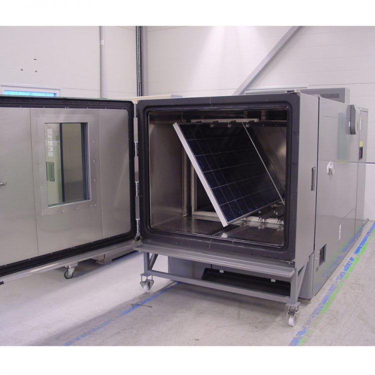 Temperature chamber for heavy solar panels