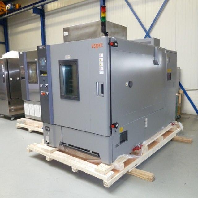 Grote batterij testkamer